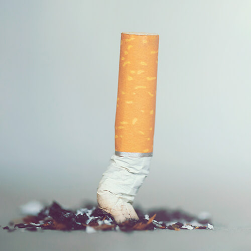 Advice from Shaukat Khanum Specialists: Smoking Kills